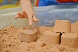 طريقة صناعة الرمل السحري-الرمل  المخصص للعب ا لأطفال-الرمل يحل العديد من مشكلات طفلك
